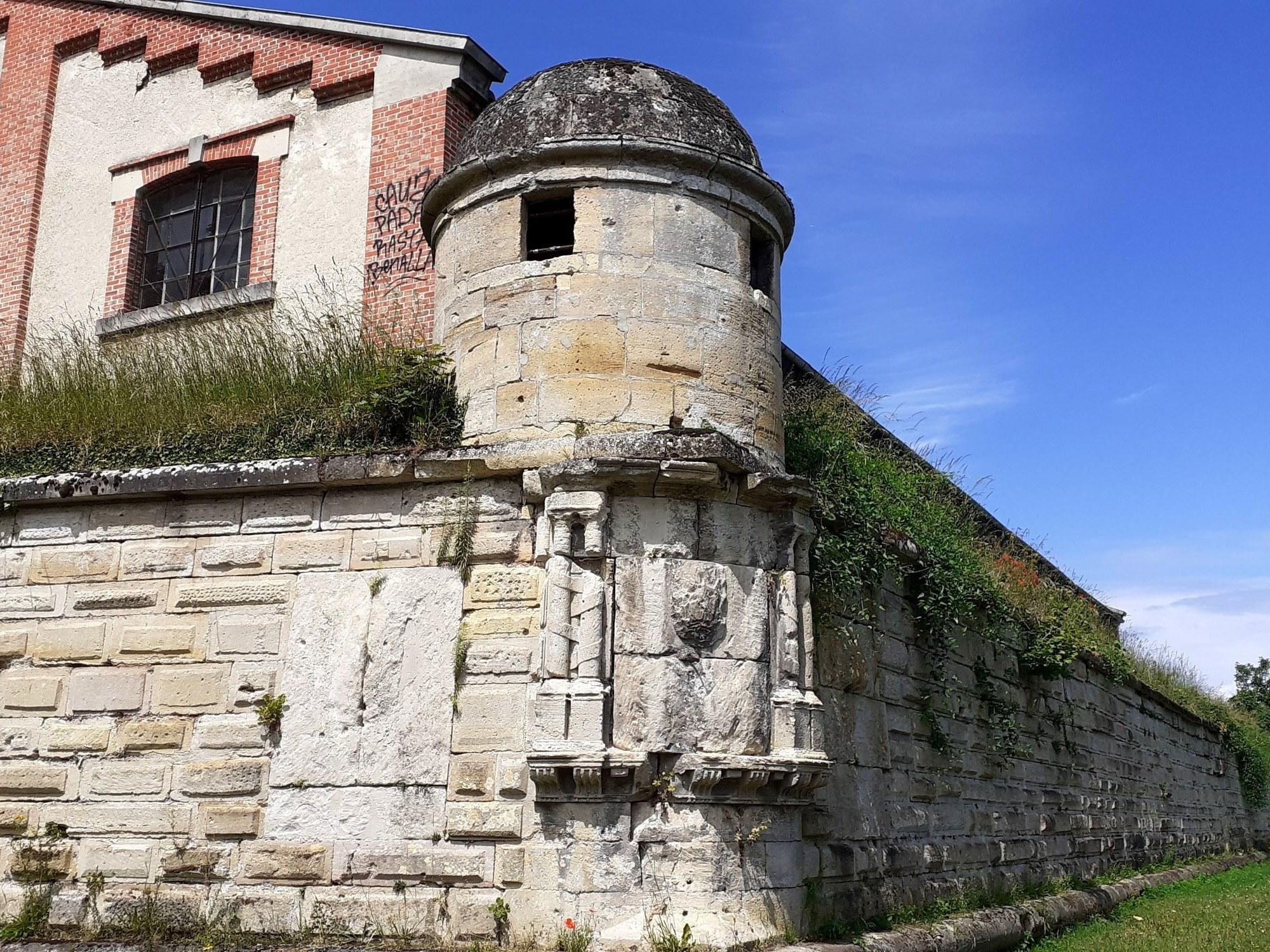 muraille-st-jean-chambresdhôtes-les-catalaunes