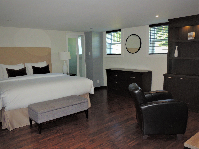 Topaz Suite Room