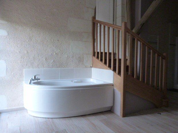baignoire chambre parentale gîte moulin val orquaire Touraine