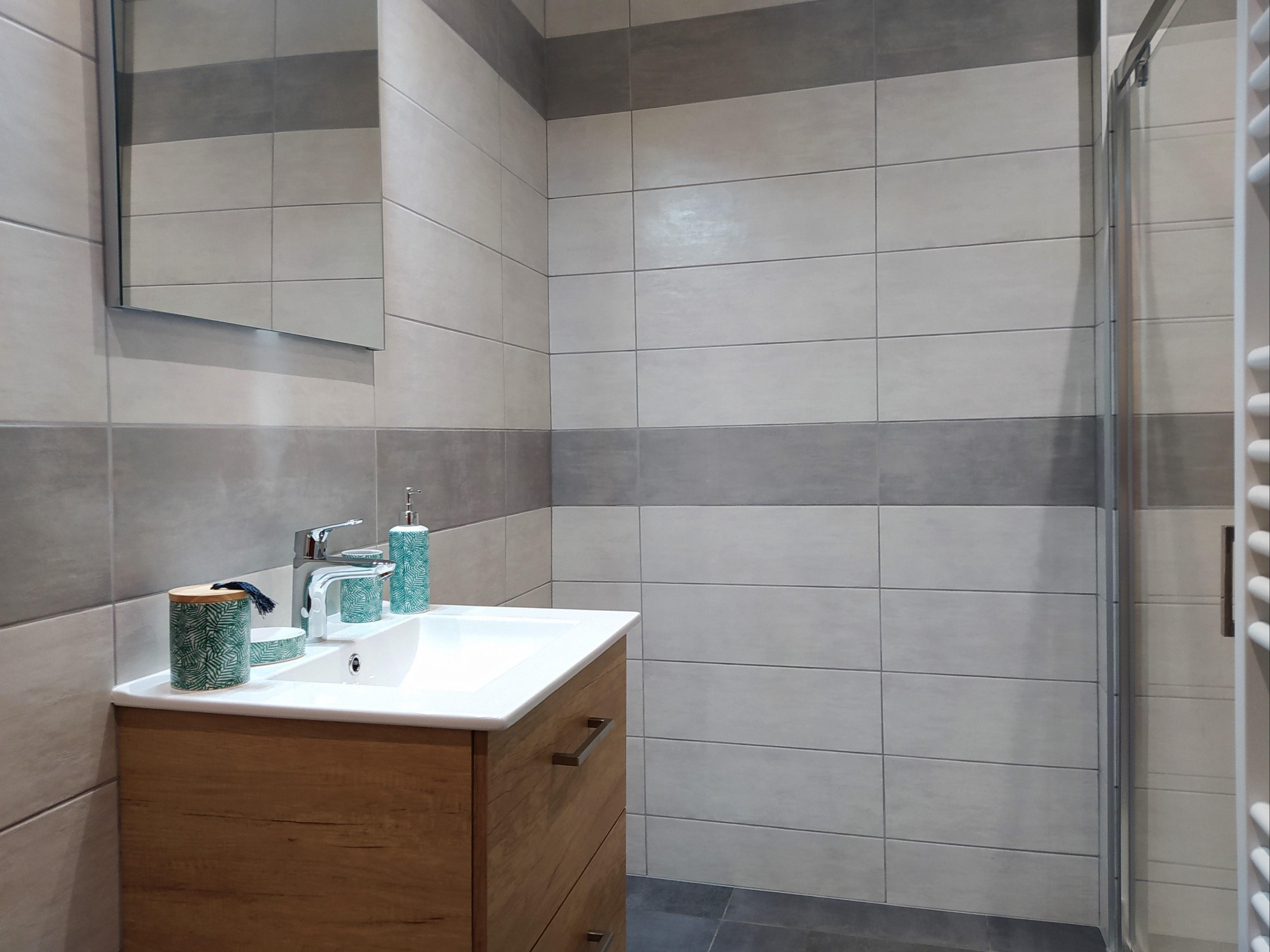 gite-groupe-jura-orangerie- salle de bain