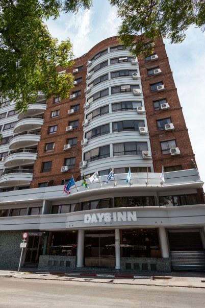 Fachada - Days Inn Montevideo 2019