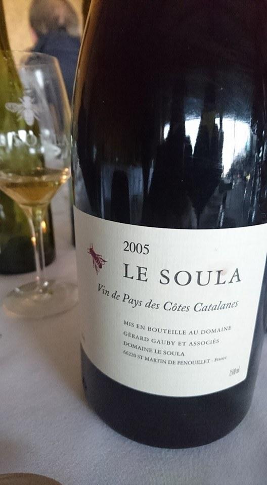 bouteille de vin Restaurant La Rencontre à Perpignan dans le département des Pyrénées-Orientales, cuisine, produits frais et vin