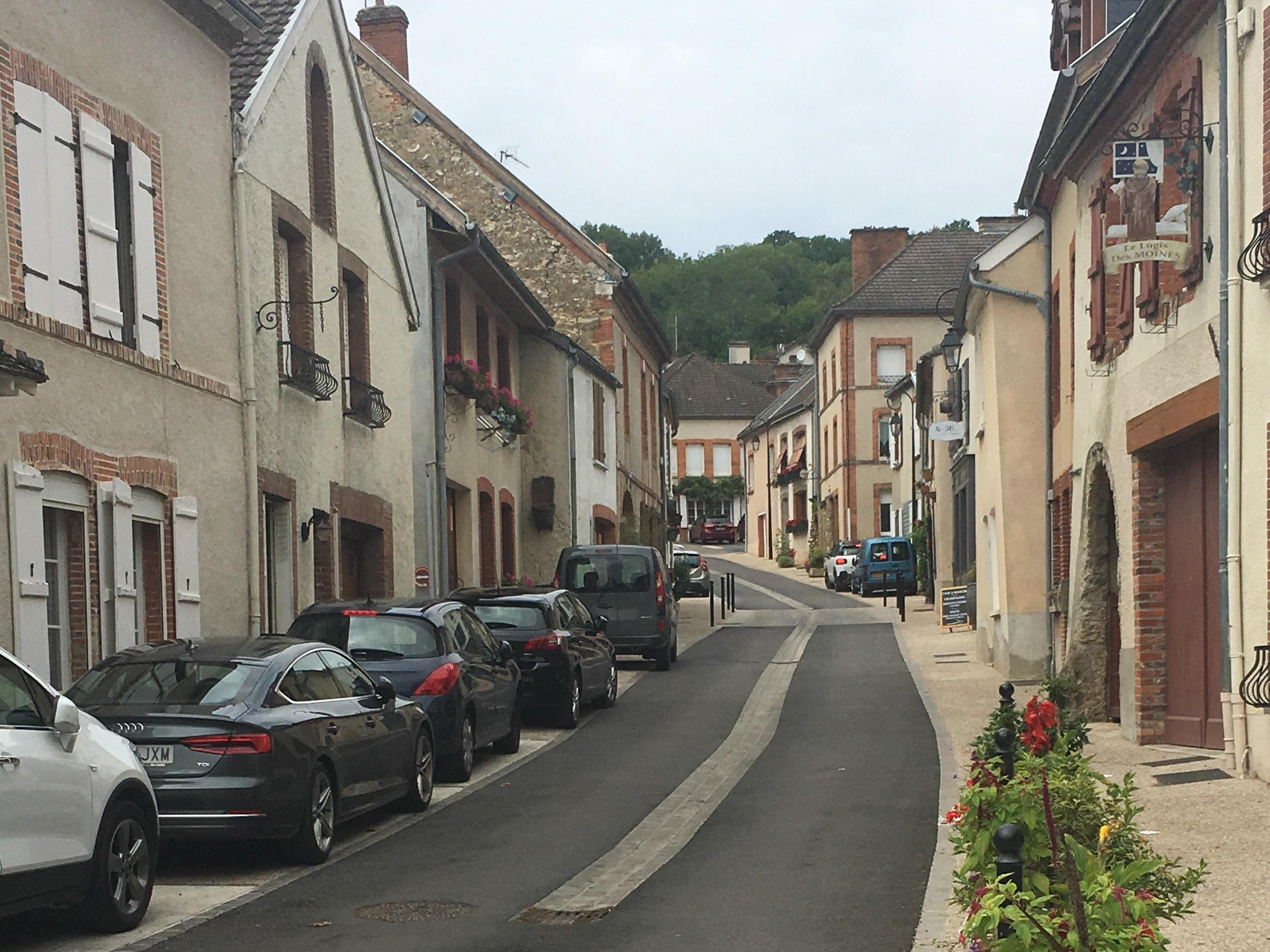 gite-hautvillers-village-route-maison-voiture
