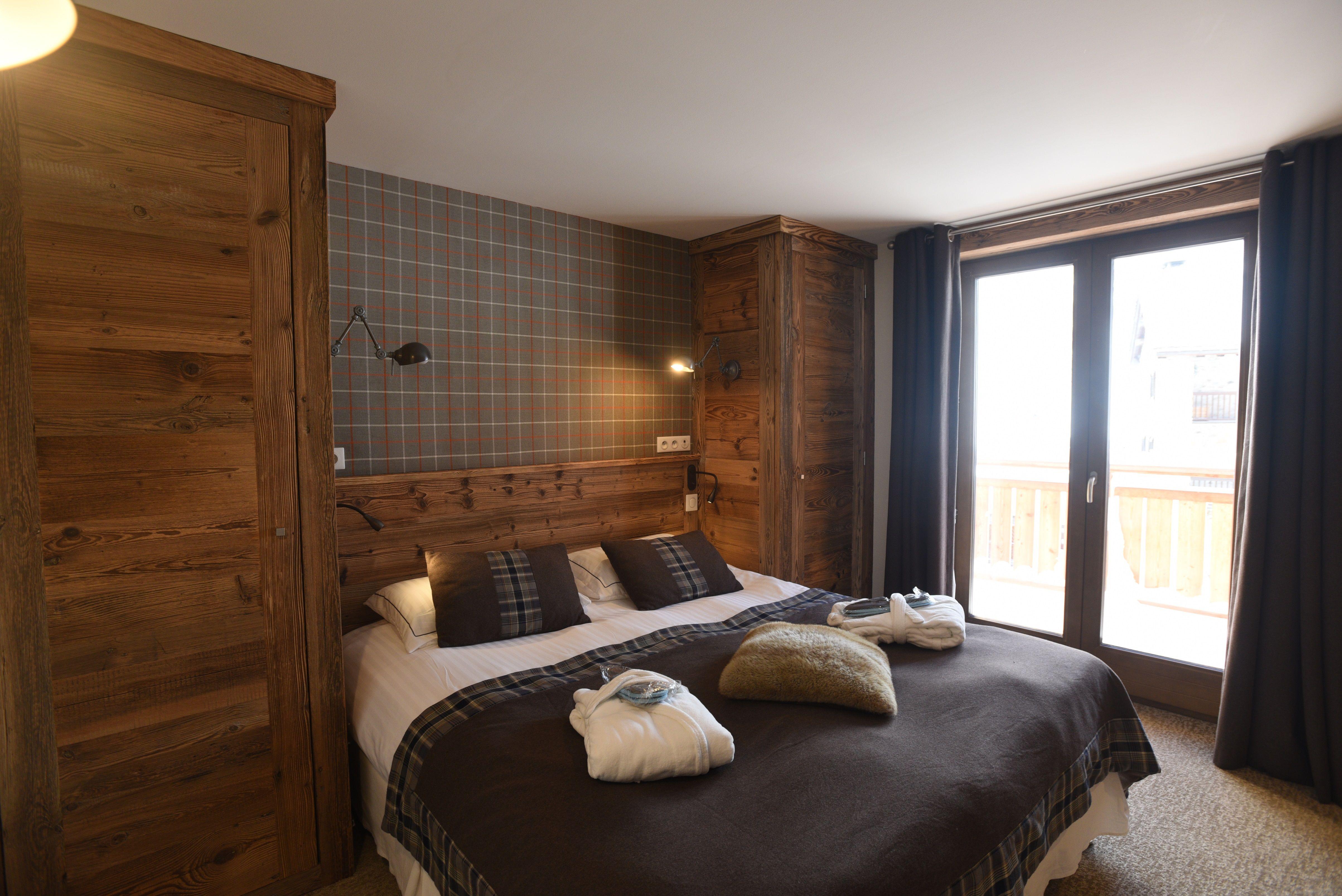 hotel-bas-des-pistes-val-isere-chambre-classique-2