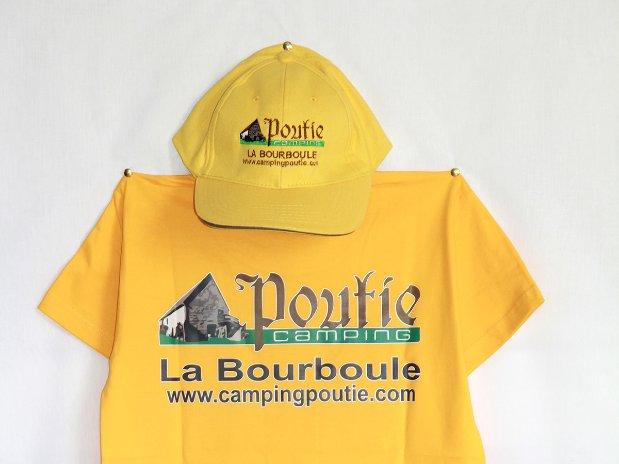 casquette et t-shirt - camping poutie