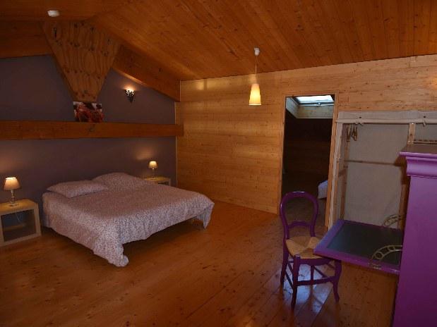 gite-groupe-jura-chambre-mezzanine