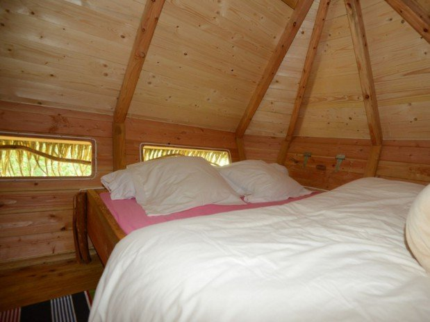 pr sentation de la chambre cabane dans les arbres familliale cabane de la renardi re de cabane. Black Bedroom Furniture Sets. Home Design Ideas