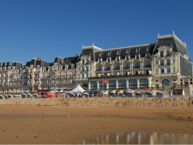 cabourg-grand-hotel-plage