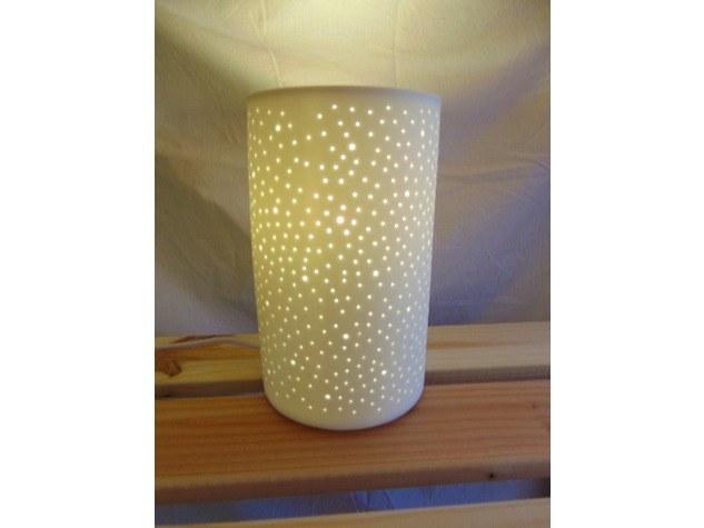 Merveilles et Cie Lampe de chevet blanche ajourée