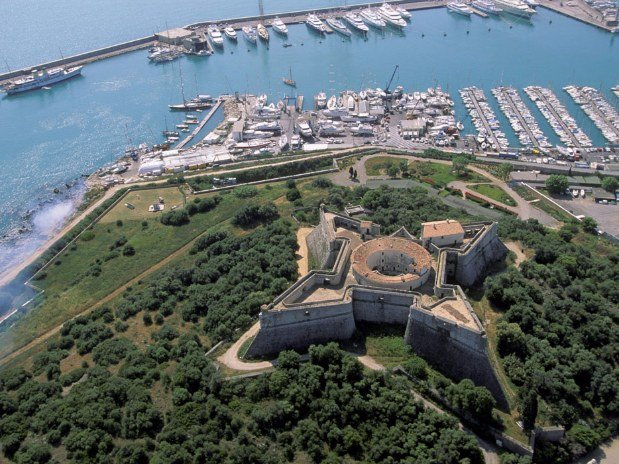 Vue Fort Vauban Antibes Cote d'Azur
