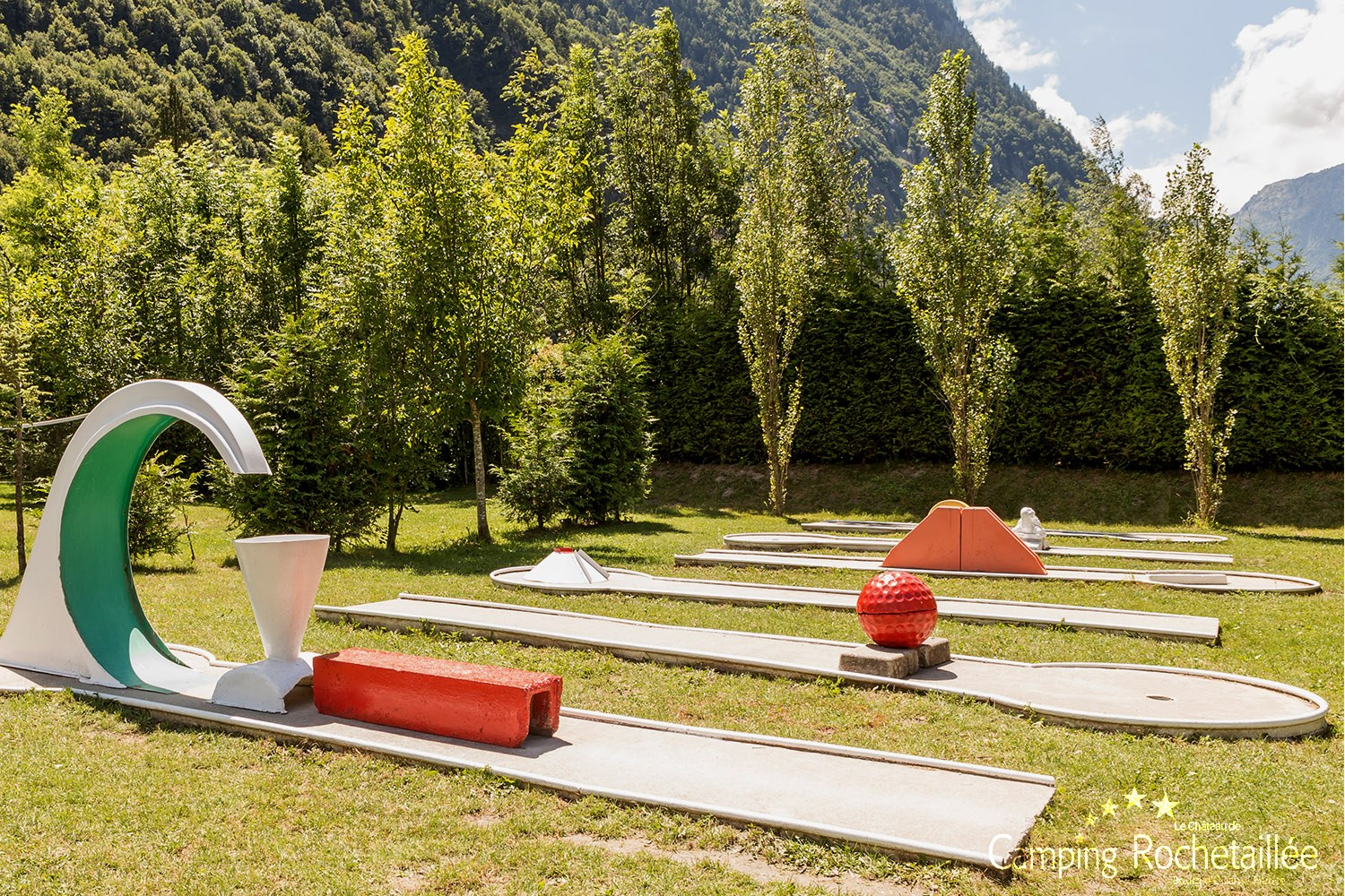 mini-golf-camping-bourg-oisans