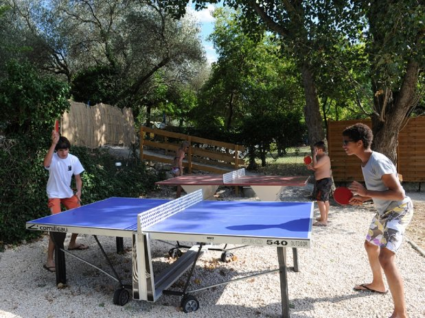 camping l'olivier - nimes -service - tennis