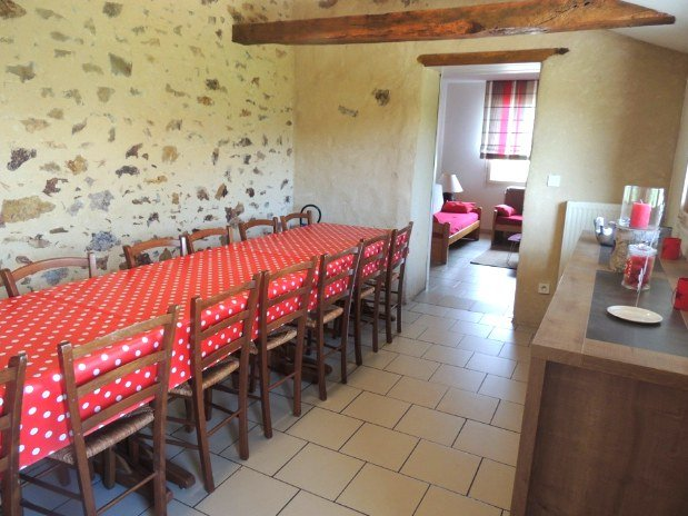salle à manger 18 personnes
