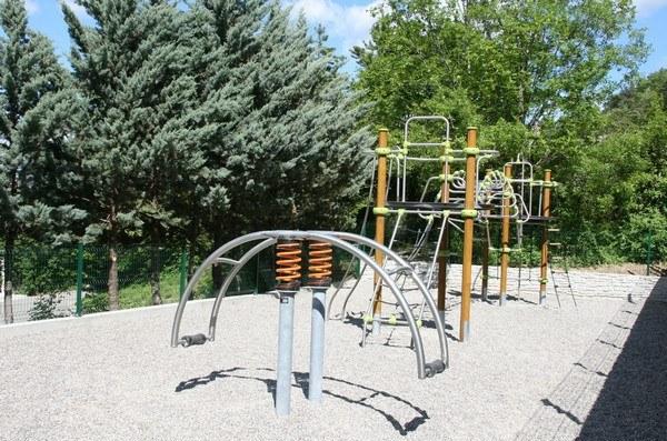 jeux-enfant-camping-orpierre-hautes-alpes