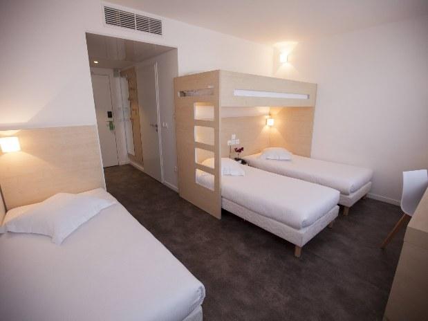 Quadruple Room Rooms Hotel Paris Saint Ouen Of Hôtel Paris Saint