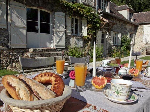 moulin de lonceux-petit déjeuner-chambres d'hôtes-garnet