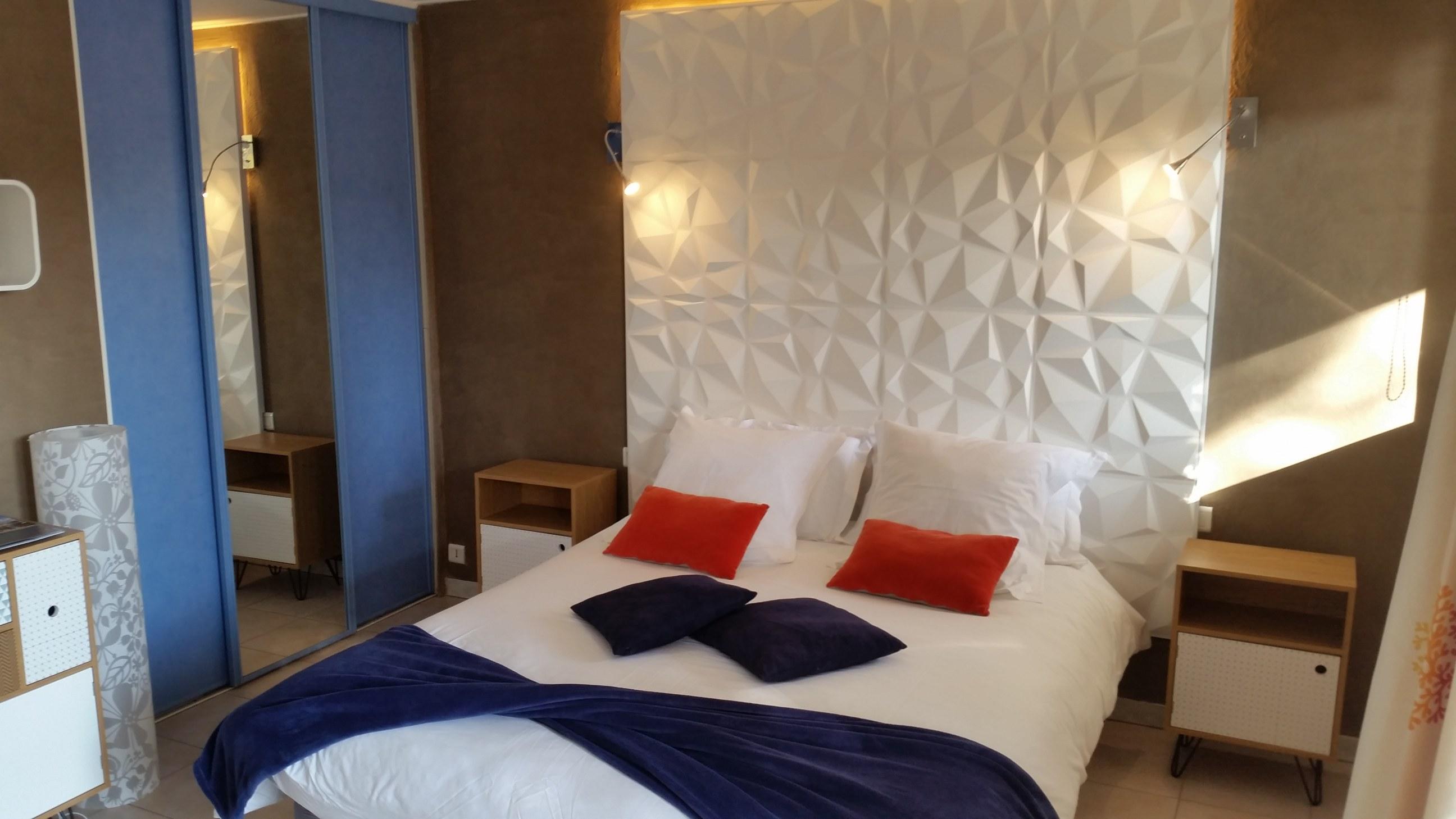Lit_chambres_d'hotes_Matisse_St-Raphael_fréjus