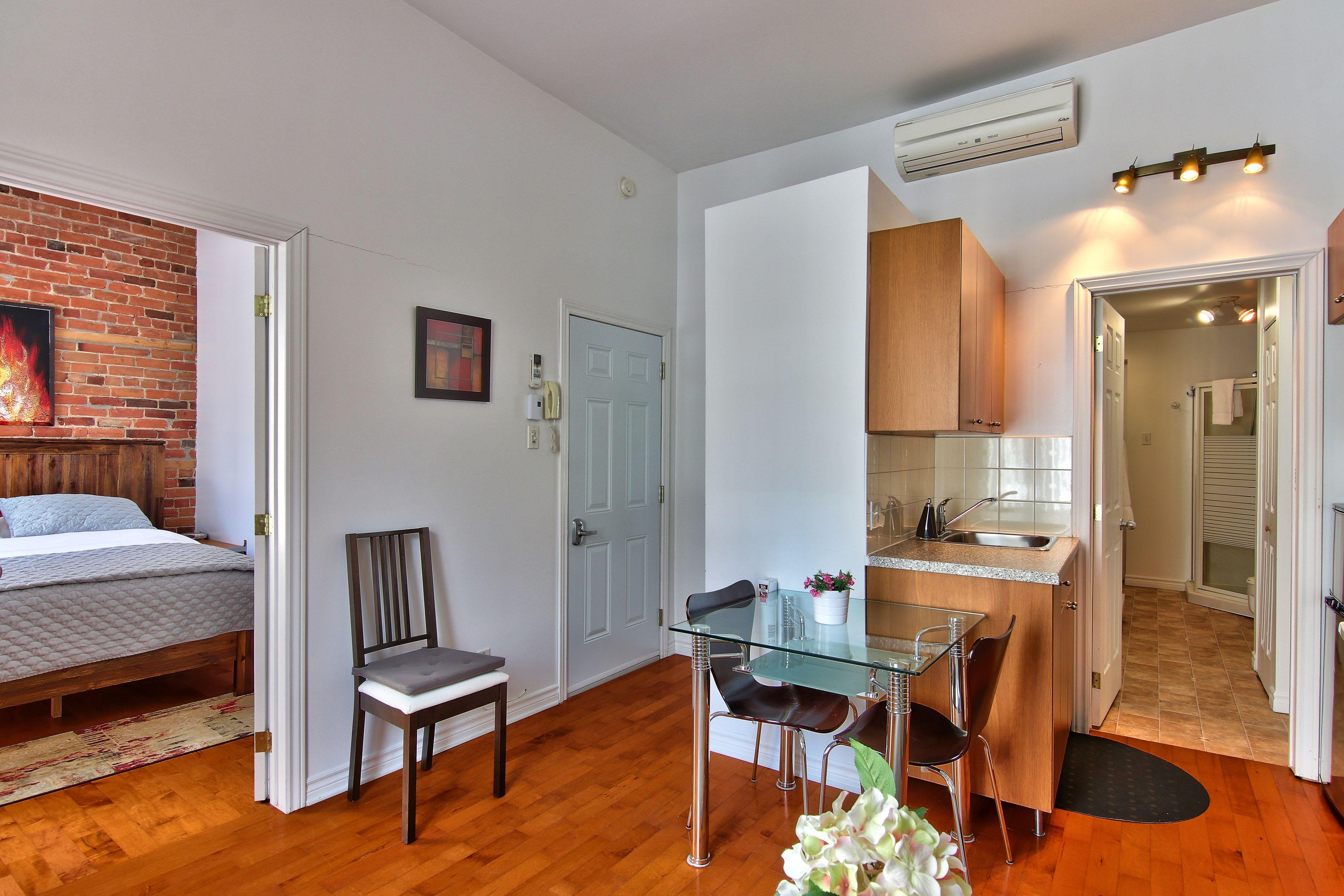 hotel-proche-palais-des-congres-montreal-appartement-1-chambre-salle-a-manger