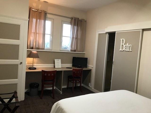 hotel-anne-de-bretagne-blois-centre-ville-chambre-double-superieure-2-personnes