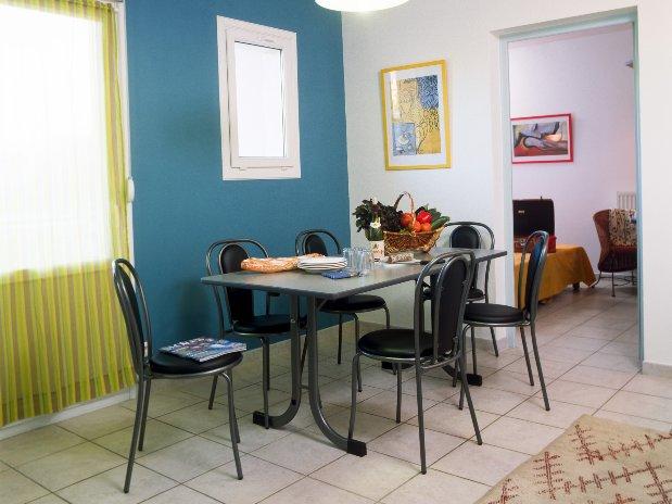La Coconniere Gites et studio en Ardèche pour les professionnels, clients d'affaires de prestataires et entreprise proche de la centrale nucleaire de Cruas Meysse ou Triscastin pas cher