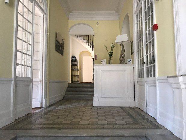 Conciergerie Entrée Hotel Alexandra Juan les Pins Antibes Cote d'Azur