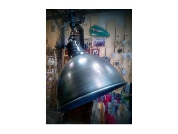 Suspension industrielle détail de la lampe - Merveilles et Cie