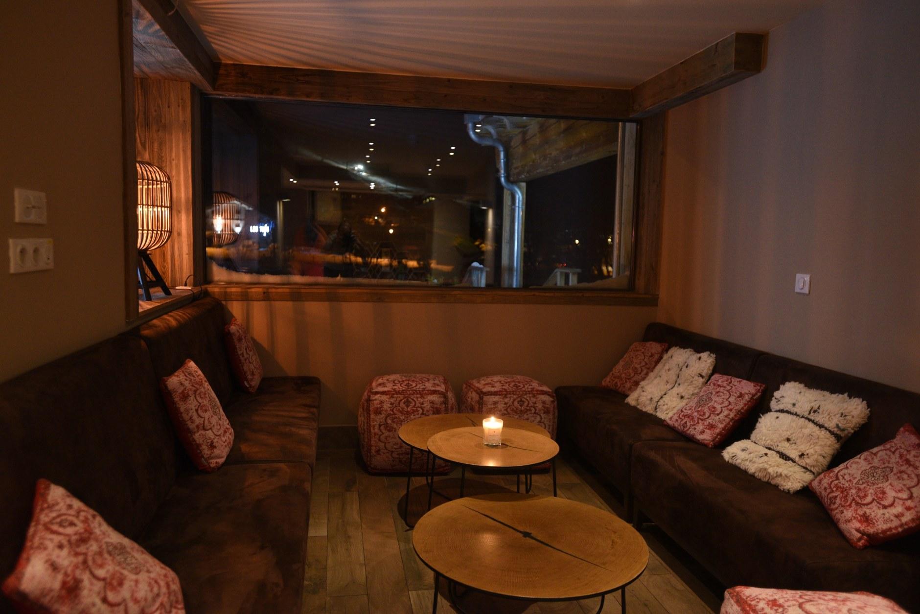 hotel-spa-val-isere-salon-espace