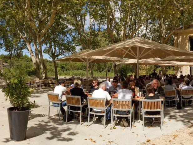 Le restaurant Les Terrasses face au Pont-du-Gard