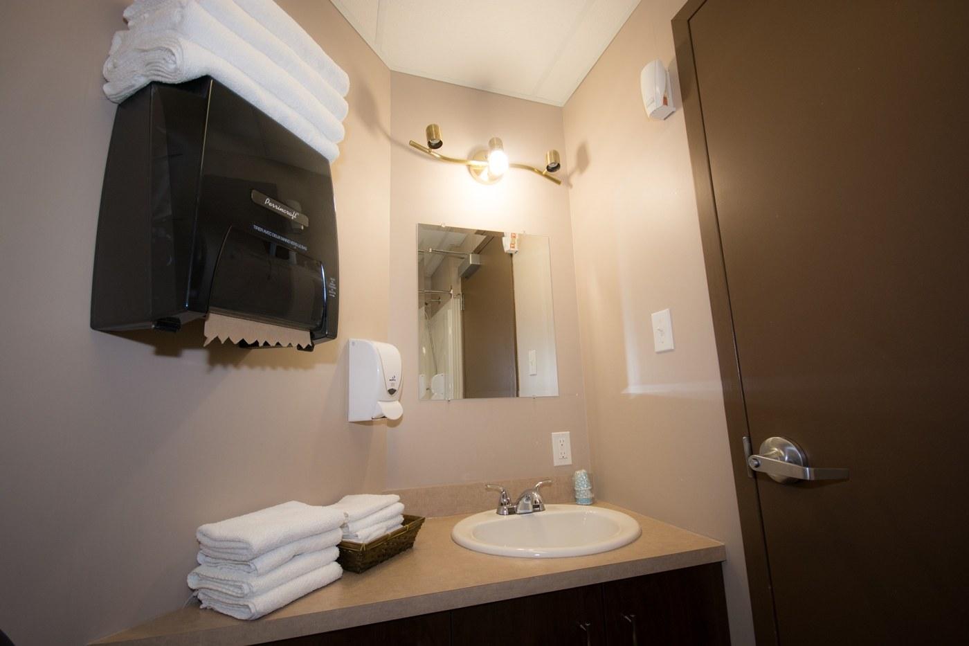 hotel-chapais-chambre-express-salle-de-bain