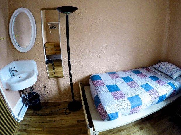 Chambre lit simple Auberge Gîte du Plateau Mont-Royal