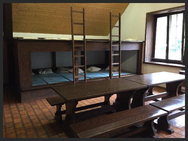 lits au dortoir