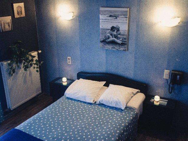 Lit double Chambre bord de mer Hotel de jour Robinson