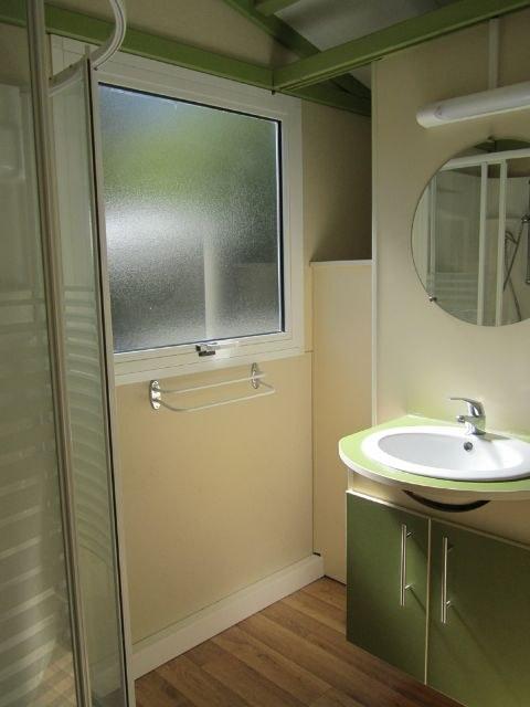 salle de bain camping familial montagne Alpes d'Huez