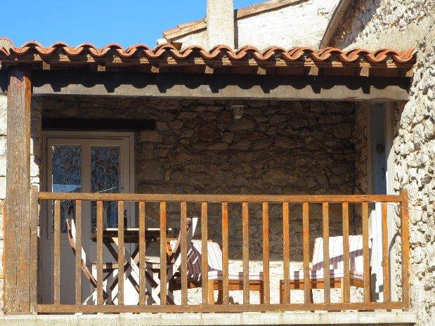 Terrasse gîte Roc Blanc Hauts Issensac