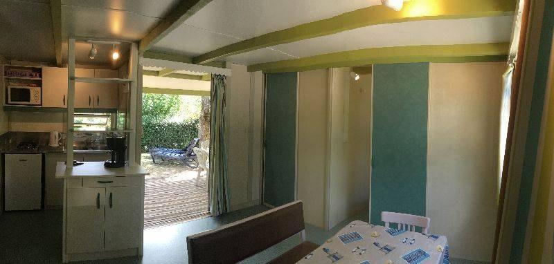 espace classic chalet salon camping familial piscine Aveyron lac de pareloup