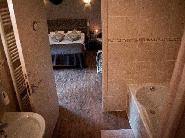 non salle de bain interesting amenager comble non amenageable amenagement de salle de bain sous. Black Bedroom Furniture Sets. Home Design Ideas