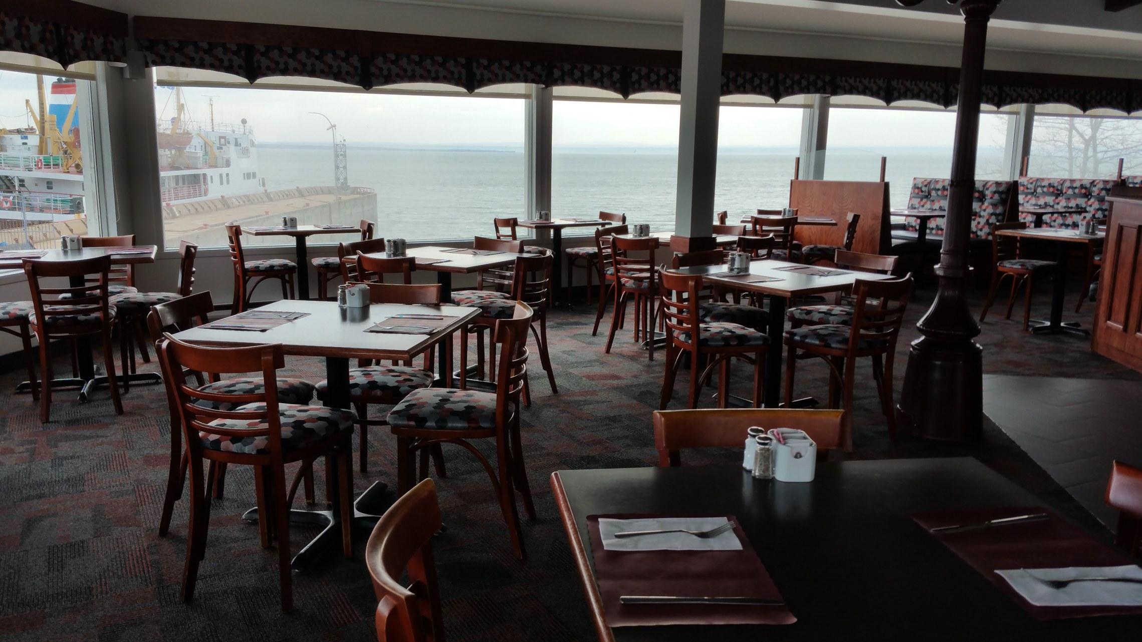 traversier-restaurant-auberge-sur-mer-charlevoix