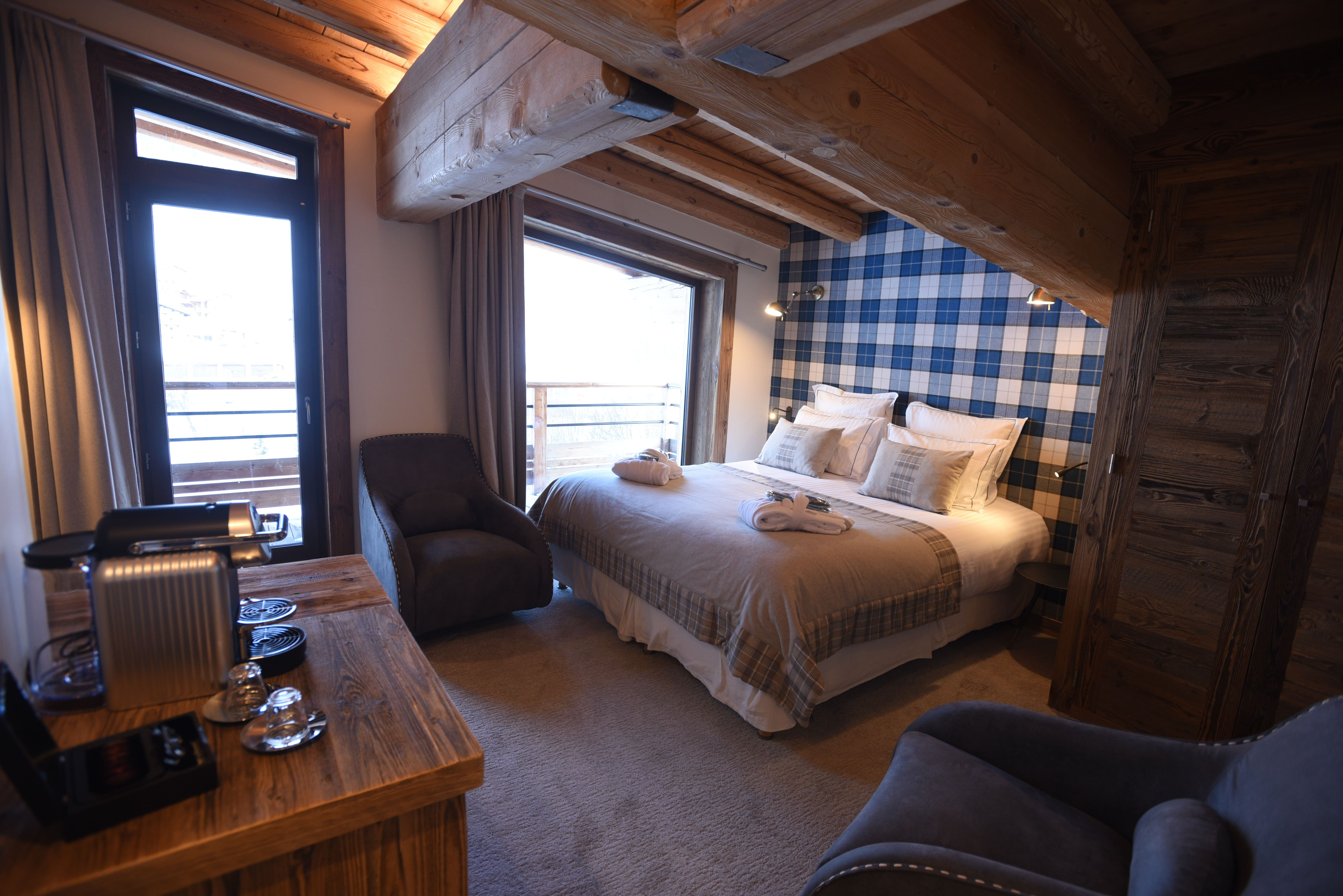 hotel-bas-des-pistes-val-d'isere-chambre-deluxe-thalia