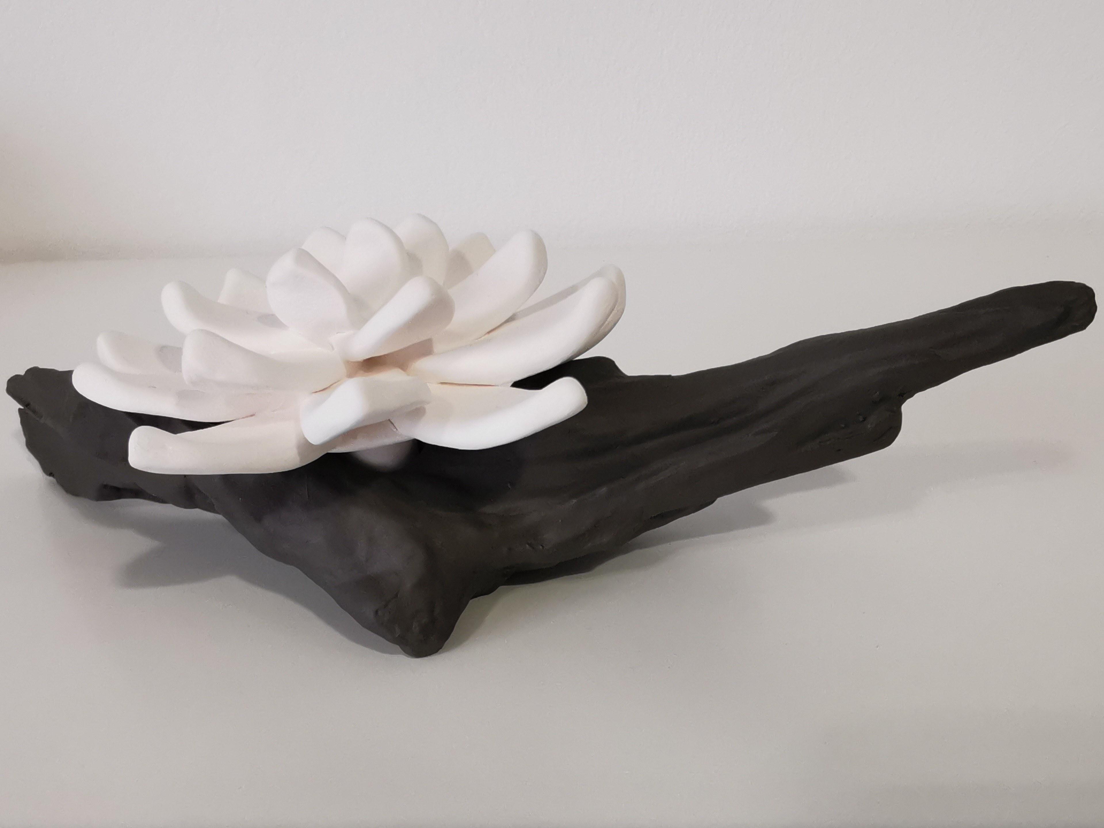 Fleur sur branche couleurs d'hélène céramique