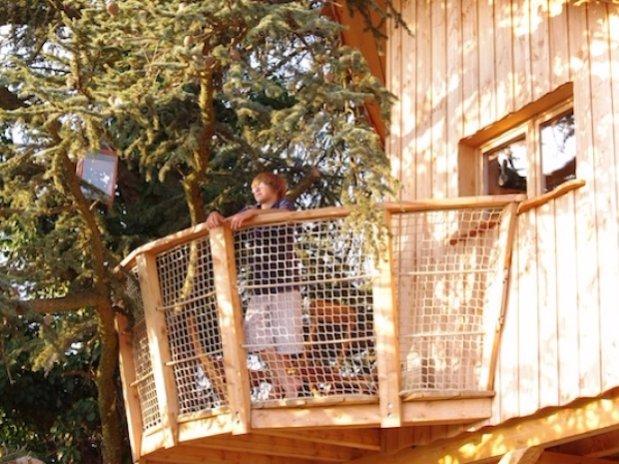 Balcon Cabane sur les arbres Domaine grands Cèdres