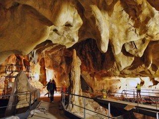 Grotte Chauvet camping de retourtour 4 etoiles ardeche riviere piscine