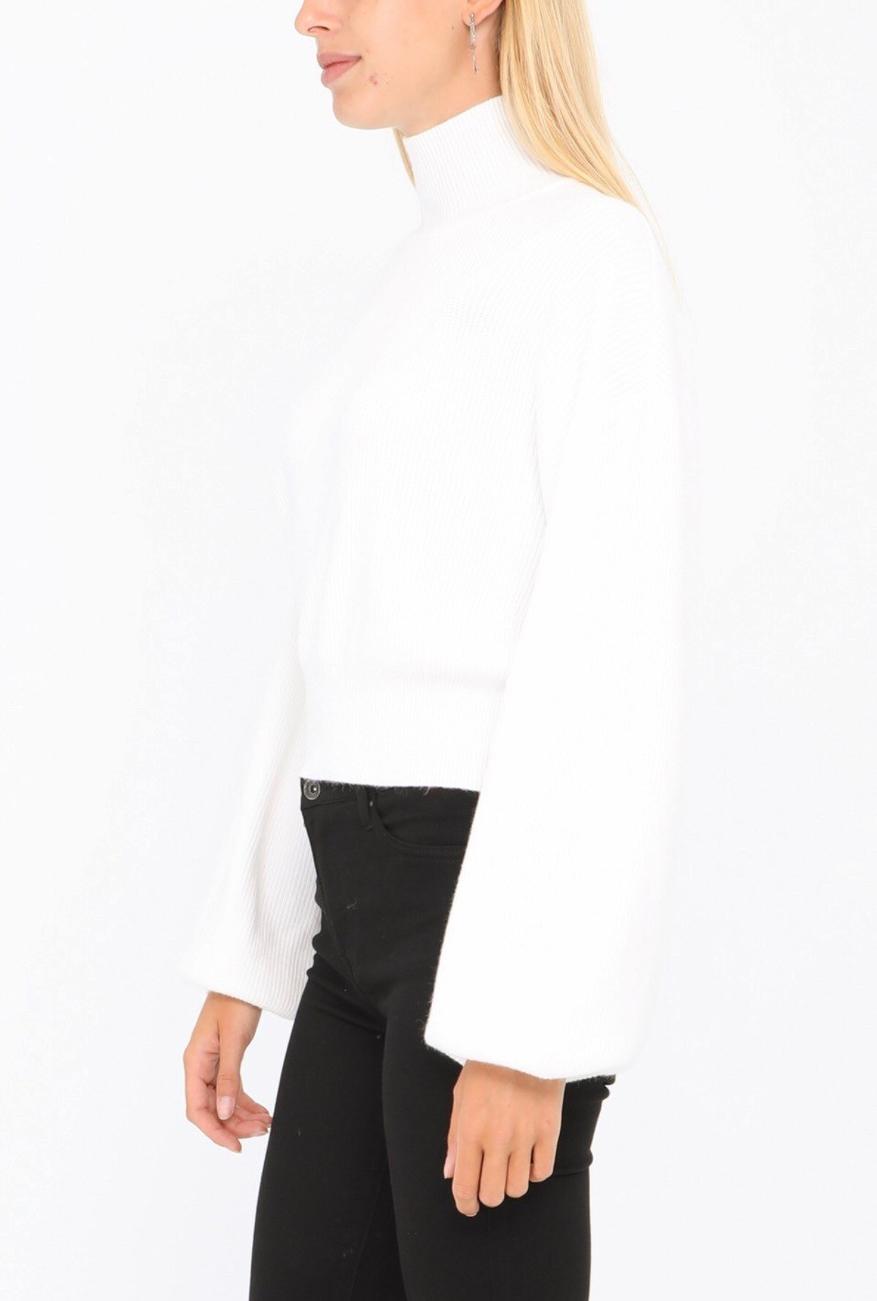 pull blanc coll montant