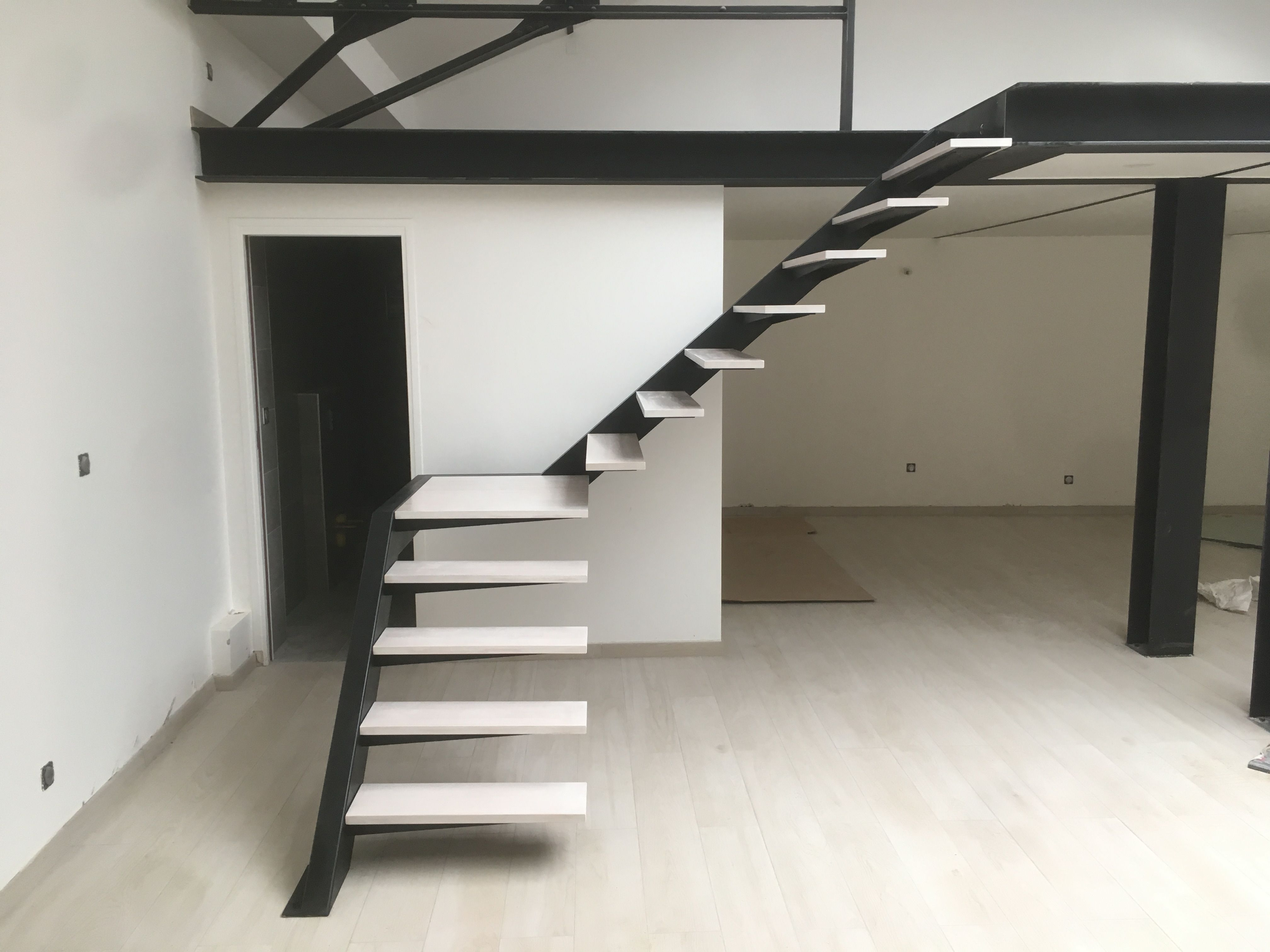 Escalier Bois Metal Noir réalisation escalier sur mesure - tony martin (fabricant