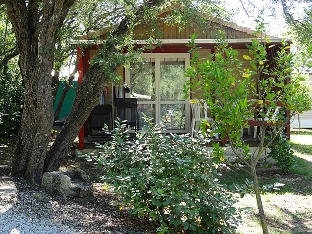 Chalet 4 personnes - camping l'olivier - sommieres-nimes