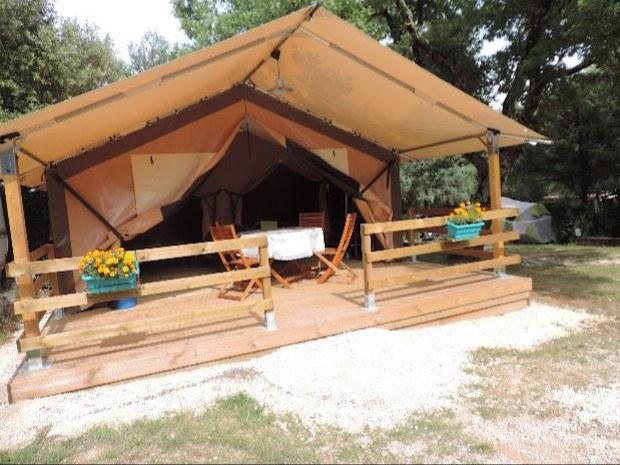 location-camping-gard