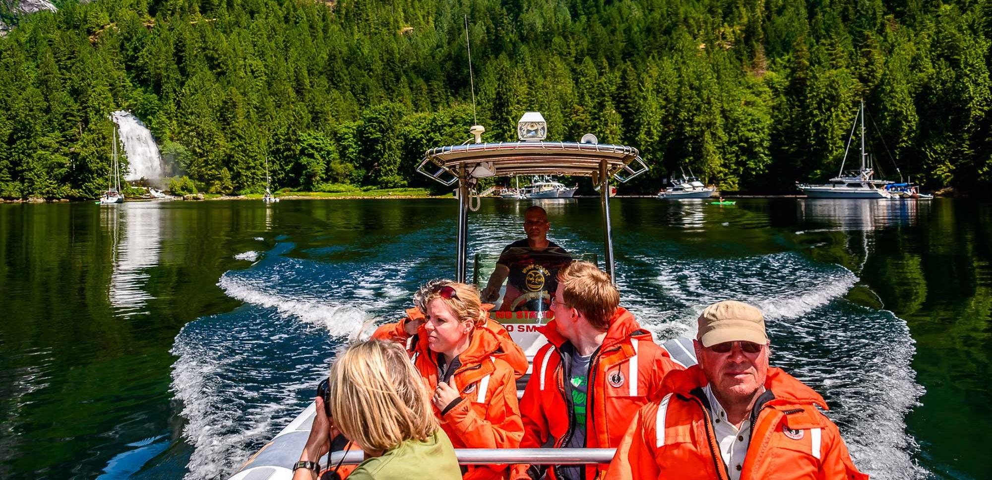 helicopter-flight-no-limit-adventure-boat-excursion