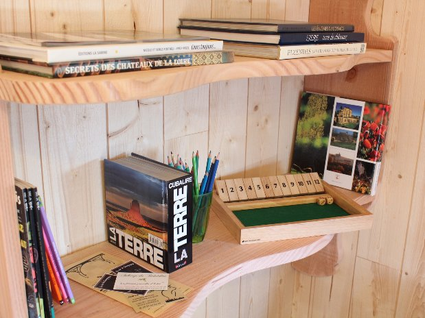 Détail Librairie Cabane sur les arbres Loire