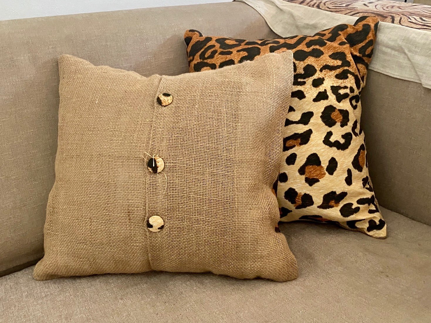 coussin léopard
