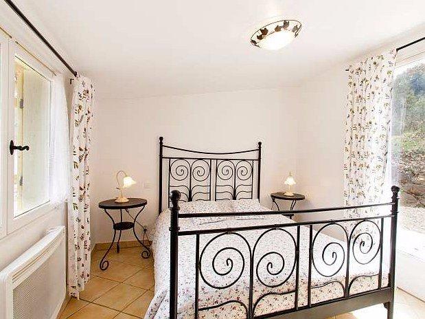 Chambre- gîte-La maison des poules-domaine de la provenc'ane-Salernes