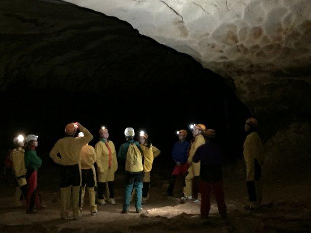 grottes-spéléo-location-vacances